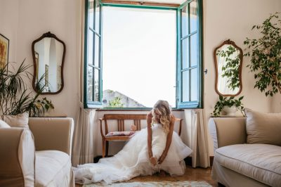 1536x1024-dama-wedding-amalfi-coast-Ravello-bride-preparing-2