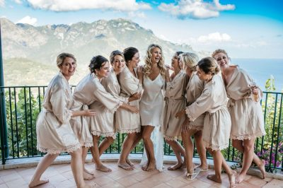 1536x1024-dama-wedding-amalfi-coast-Ravello-bride-with-bridesmaids